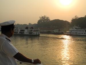 Mit dem Schiff von Mandalay nach Bagan