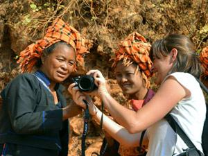 Myanmar Reisen Einheimische in Kontakt mit Reisenden