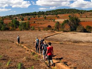 Trekking in Myanmar zwischen den Hügeln vom Shan Staat