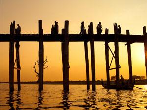 Die U-Bein Brücke von Amarapura bei Mandalay
