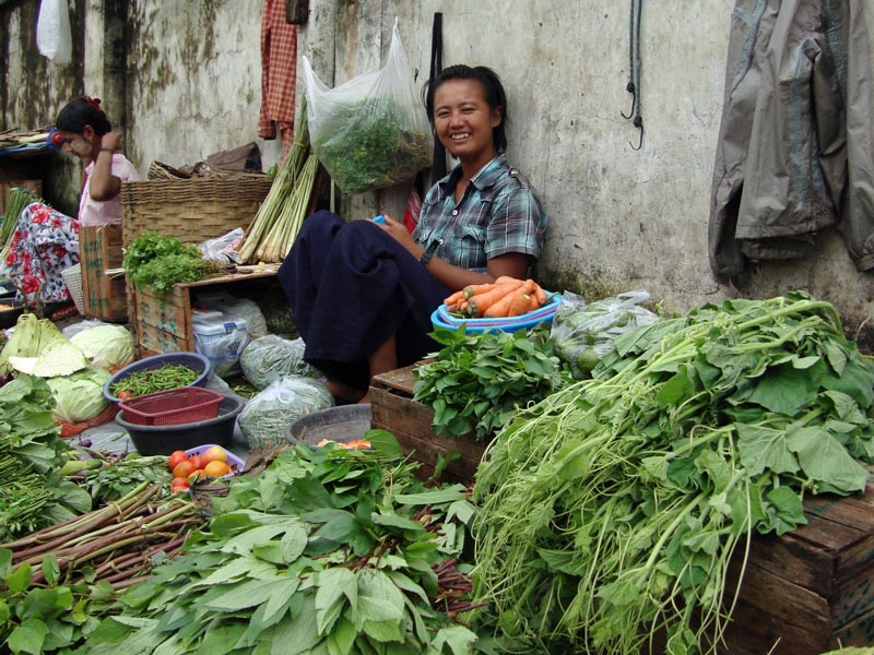 Marktfrau in Yangon