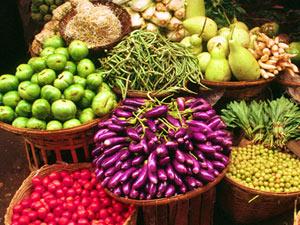 Rundreise Myanmar: Buntes Gemüse auf dem Markt