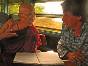 Hsipaw: Interessante Gespräche im Zug