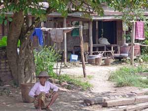 Dorfszene zwischen Kalaw und Inle See