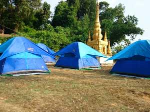 Zelten in der Nähe von Kengtung