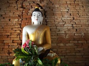 Myanmar und Thailand - Goldene Buddha Statue