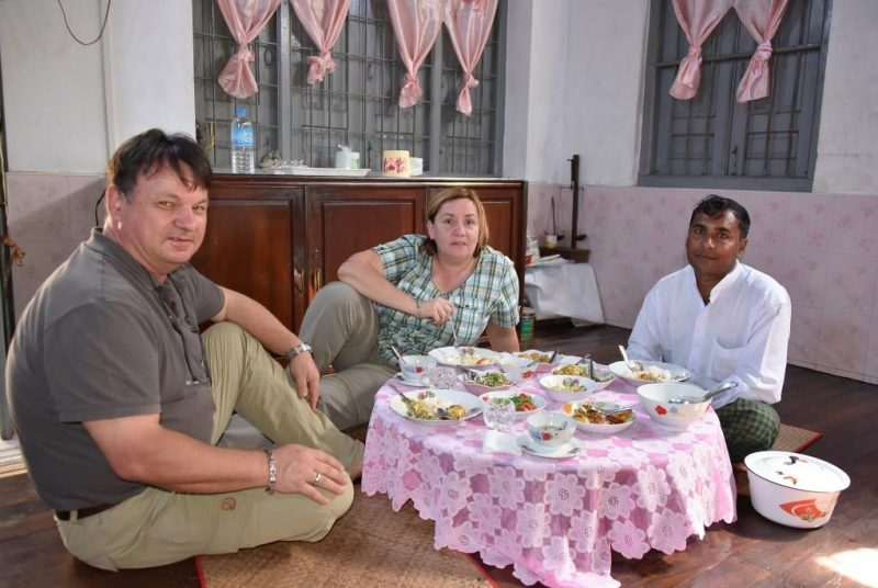 Zu Gast bei einer lokalen Familie