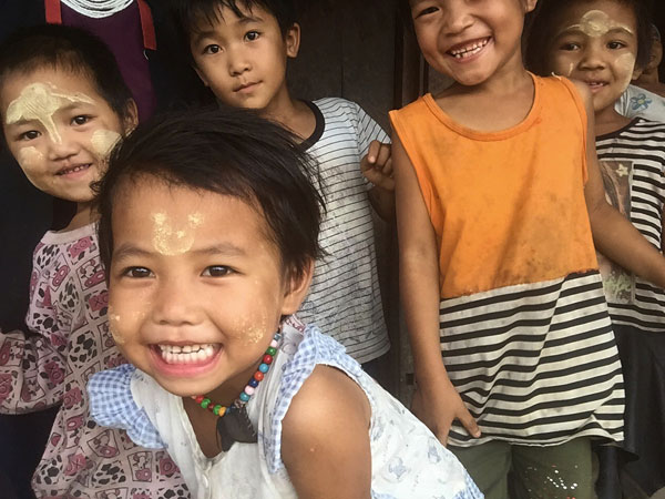 3 Wochen Myanmar - Akha Kinder in Kengtung
