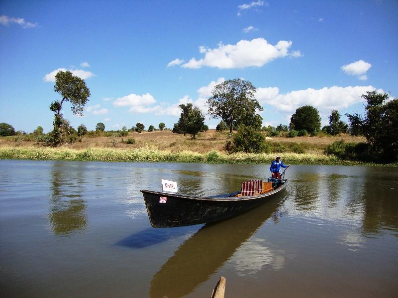 Nach dem Trekking zu den Langhalsfrauen: Bootsfahrt nach Samkar
