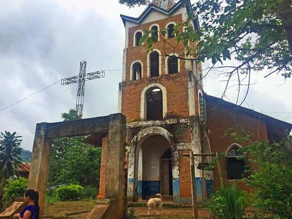 Kirche in der Nähe von Kengtung