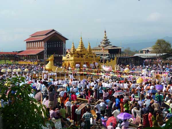 Beim Phaung Daw Oo Pagoda Festival