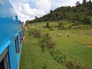 Zug von Kalaw nach Loikaw zu den Langhalsfrauen