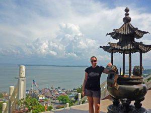 Blick über Sandakan und das Meer