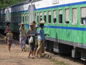 Yangon nach Bagan: Erste Etappe mit dem Zug nach Pyay