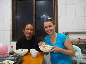 Reisespezialistin Alena und Guide