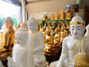 yangon buddha figuren