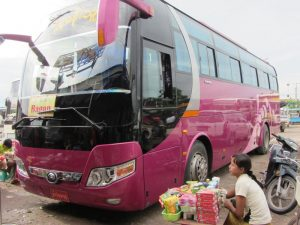 Lokaler Bus in Myanmar