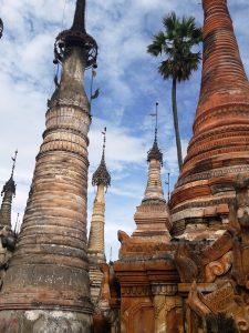 Bei den Pa O - Tempel in der Umgebung von Samkar
