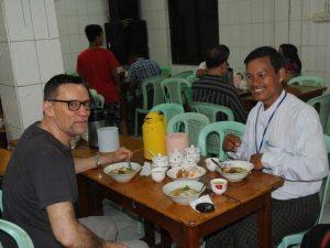 Frühstück in Yangon