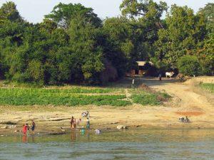 Dorf am Irrawady Fluss in Myanmar