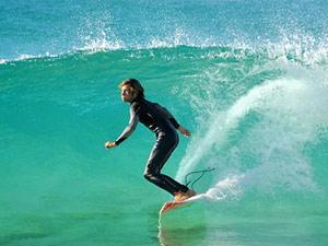 Surfing-sunshine-coast