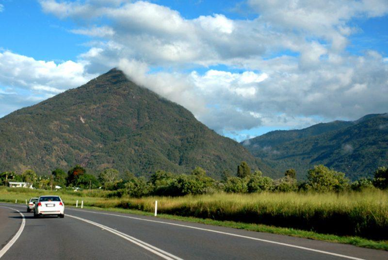 Rijden langs riffen en regenwouden