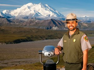 Ranger im Denali Nationalpark Copyright: Michael DeYoung