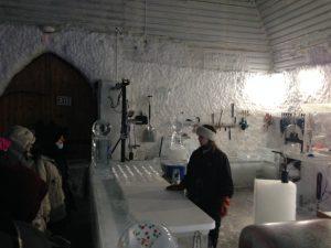 In der Eismuseum Werkstatt bei Fairbanks