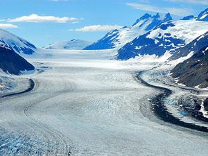 Beeindruckende Eismassen: der Salmon Gletscher