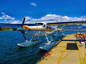 Mit dem Wasserflugzeug über die Insel bei Victoria