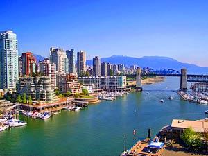 Skyline von Vancouver bei Kanada Reise ab Calgary