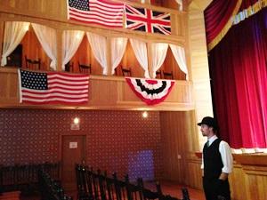 Im alten Theater von Dawson City