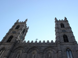 ostkanada-montreal-notre-dame-basilika-außen