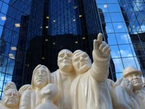 ostkanada-montreal-wolkenkratzer-skulpturen