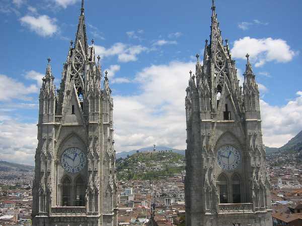 Kirchen gehören auch zu Ecuadors Highlights