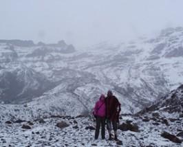 Wanderer im Schneetreiben auf dem Chimborazo
