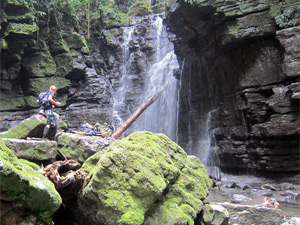 Wanderung zu tropischen Wasserfällen