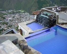 Pool mit beeindruckender Aussicht in Banos