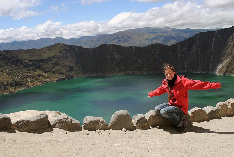Türkiser Kratersee in den Anden