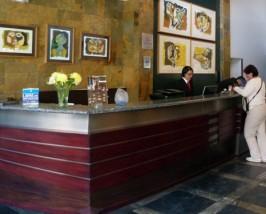 Rezeption in Ihrem Hotel in Quito