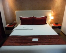 Zimmer im Hotel im Mariscal Viertel