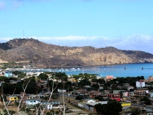 Blick-ueber-Puerto-Lopez