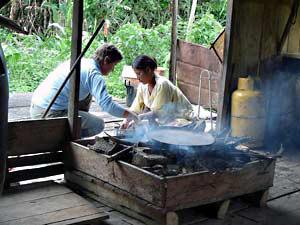 So wird das traditionelle Brot gebacken