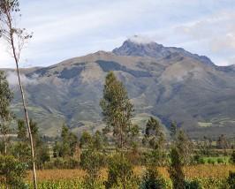Berge in der Umgebung der Laguna Cuicocha