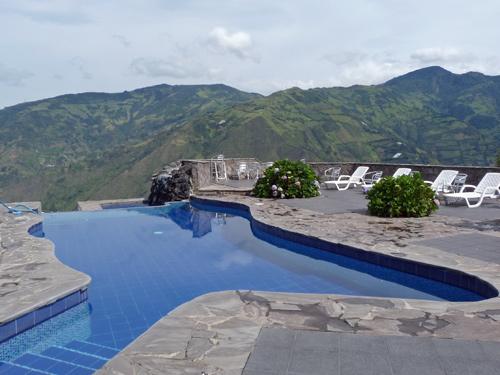 Blick auf die Anden vom Pool