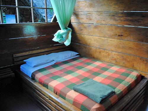 Doppelbett mit Mosquitonetz