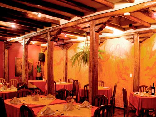 Blick ins Restaurant einer Unterkunft in Quito