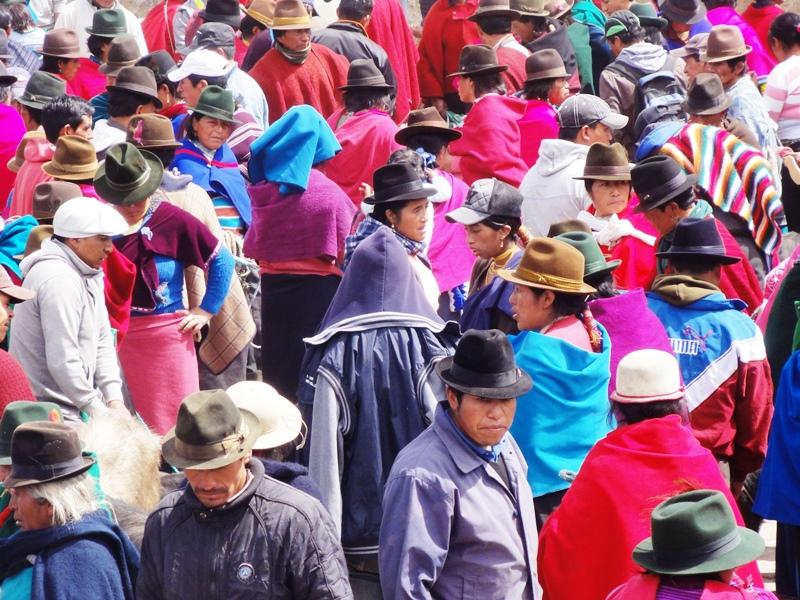 Markt der Einheimischen in den Anden