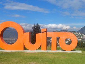 Blick auf den Panecillo in Quito