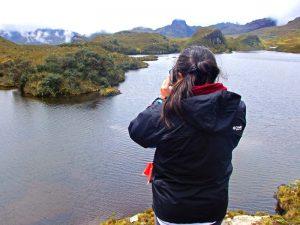 Fotograf im Cajas Nationalpark